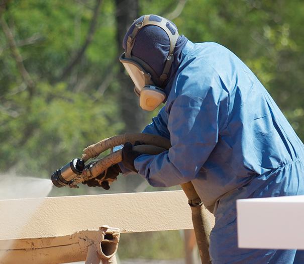 contractor-polyurea-spray-equipment-alt
